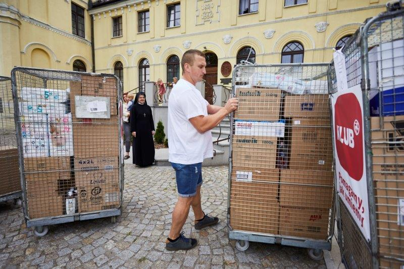 82 tys. kremów do rąk dla szpitali walczących z koronawirusem
