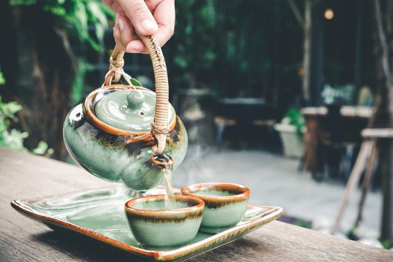 Jak wykorzystać liście zaparzonej herbaty