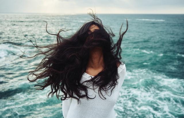 5 porad jak zatrzymać wypadanie włosów