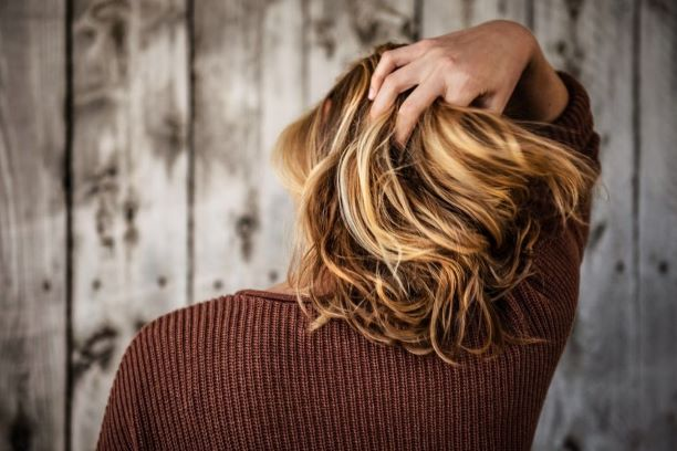 Naturalne farby do włosów – czy warto dać im szansę?