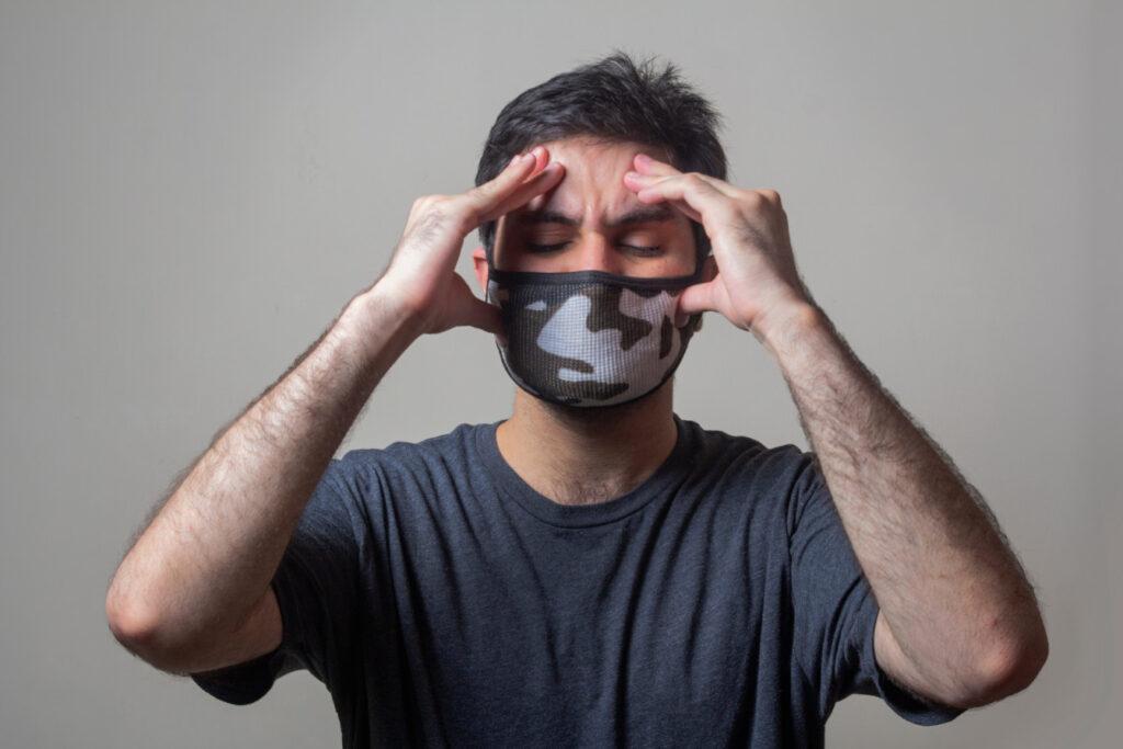 Jak rozpoznać, że ból głowy jest objawem zakażenia COVID-19