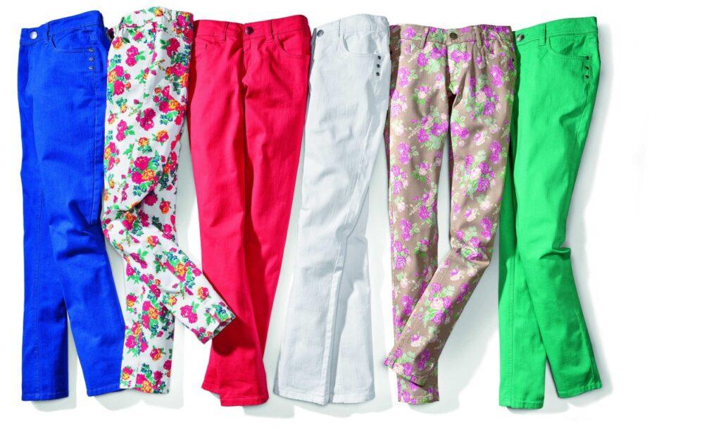 Kolorowe spodnie. Tak czy nie?